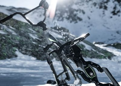 artic-snow-bike-extreme-riding-0001